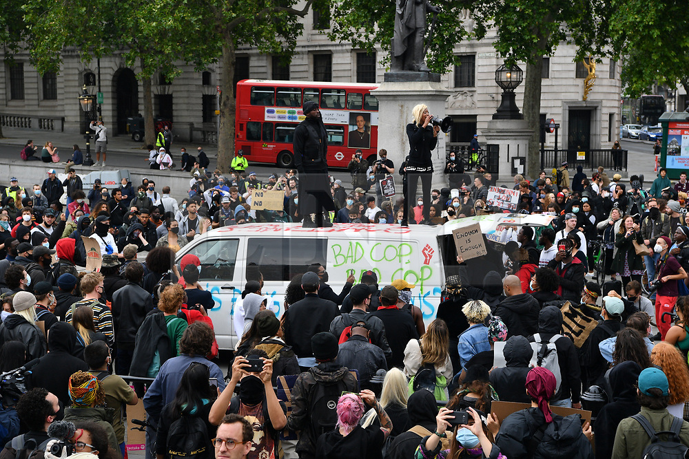 © Licensed to London News Pictures. 12/06/2020. London, UK. Protesters in Trafalgar Square take part in a demonstration organised by Black Lives Matter for the American George Floyd who died whilst being arrested by US policemen Derek Chauvin. The death of George Floyd has caused civil unrest in some US cities. Photo credit: Ray Tang/LNP