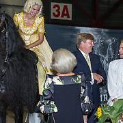 NLD/Leeuwarden/20180908 - Koning Willem Alexander en Beatrix aanwezig bij premiere de Stormruiter, Prinses Beatrix en Koning Willem Alexander met Jelle de Jong