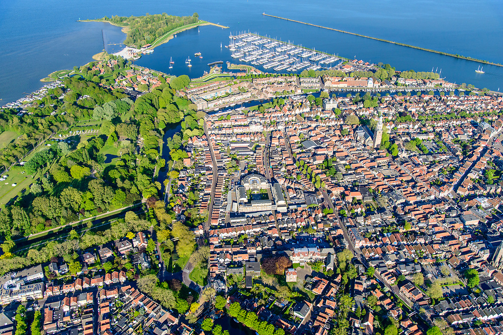 Nederland, Noord-Holland, gemeente Enkhuizen, 07-05-2018; centrum van Enkhuizen,  historische binnenstad.<br /> Enkhuizen historical city centre<br /> <br /> luchtfoto (toeslag op standard tarieven);<br /> aerial photo (additional fee required);<br /> copyright foto/photo Siebe Swart
