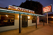 The Apple Pan restaurant opened in 1947 and is famous for its hickory hamburgers and apple pies served with vanilla ice cream. Pico Boulevard, West Los Angeles, California, USA