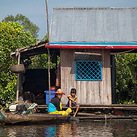 Sometimes, during the dry season the boat trips from Battambang to Siem Reap are not realizable because of the low water level.