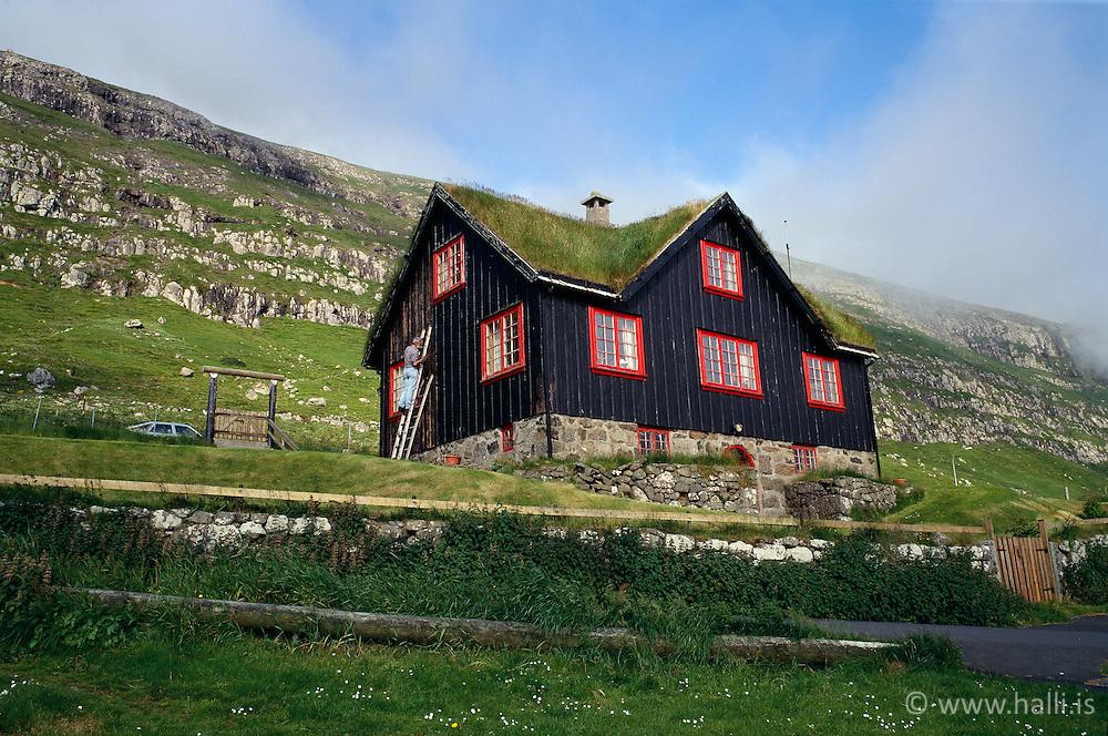 Eitt af elstu húsum Færeyja / ..Faroe Islands, one of oldest houses on the islands, Kirkjuboyr
