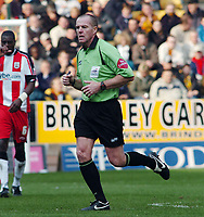 Photo: Kevin Poolman.<br />Wolverhampton Wanderers v Southampton. Coca Cola Championship. 31/03/2007. Referee Graham Salisbury.
