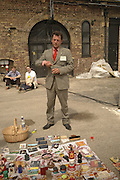 DAN LANGTON, The Art Car Boot Fair, Truman Brewery, Brick Lane. London. 4 June 2006. ONE TIME USE ONLY - DO NOT ARCHIVE  © Copyright Photograph by Dafydd Jones 66 Stockwell Park Rd. London SW9 0DA Tel 020 7733 0108 www.dafjones.com