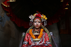 May 5, 2017 - Lalitpur, Nepal - Living Goddess Kumari looks on as she observes the chariot pulling festival of the ''God of Rain'' Rato Machhindranath in Lalitpur, Nepal on Friday, May 05, 2017. (Credit Image: © Skanda Gautam via ZUMA Wire)