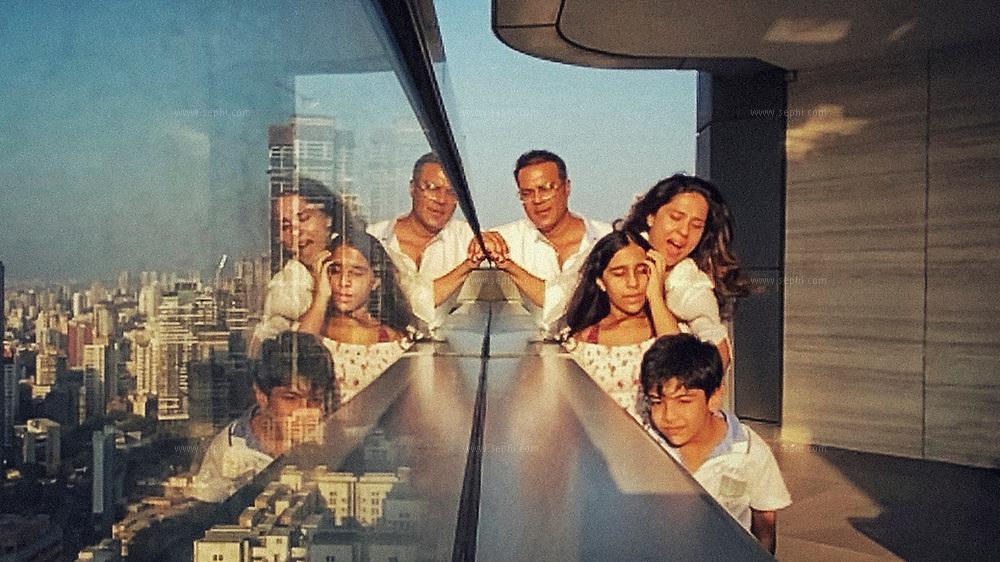 Sushil Shamlal Wadhwa and Malti Wadhwa with their children Aaira and Krisshiv in Mumbai, India.
