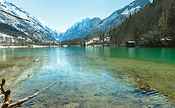 THEMENBILD - der Klammsee im Frühling mit dem Kitzsteinhorn im Hintergrund, aufgenommen am 25. März 2018, Kaprun, Österreich // the Klammsee in spring with the Kitzsteinhorn in the background on 2018/03/25, Kaprun, Austria. EXPA Pictures © 2018, PhotoCredit: EXPA/ Stefanie Oberhauser