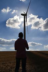 Pale Eoliche nella campagna nei dintorni di Minervino Murge.