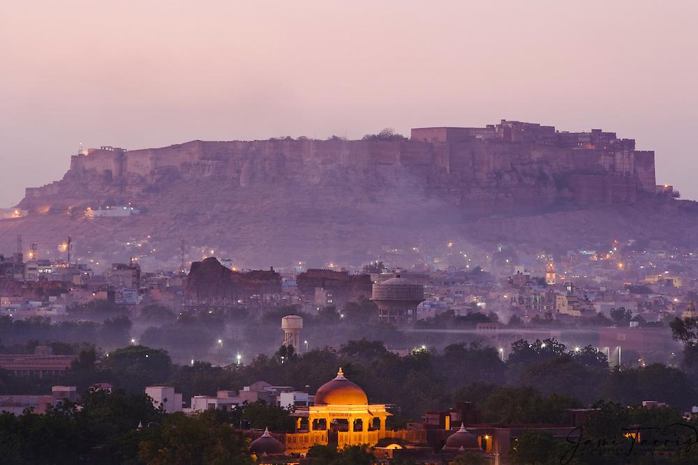 View of the Meherangarh Fort in Jodphur at sunset, Jodphur, Rajasthan, India