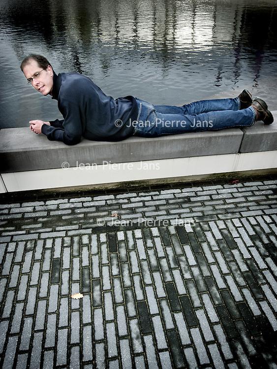 Nederland,Hengelo ,10 november 2008..Arjen Hoekstra, directeur van de waterfootprint.org (hoeveel water een mens verbruikt) en werkzaam aan de Universiteit van Twente