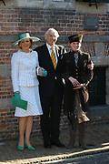 Zijne Hoogheid Prins Floris van Oranje Nassau, van Vollenhoven en mevrouw mr. A.L.A.M. Söhngen zijn donderdag 20 oktober in het stadhuis van Naarden in het burgelijk huwelijk getreden. De prins is de jongste zoon van Prinses Magriet en Pieter van Vollenhoven.<br /> <br /> 20OCT, 2005 - Civil Wedding Prince Floris and Aimée Söhngen. <br /> <br /> Civil Wedding Prince Floris and Aimée Söhngen in Naarden. The Prince is the youngest son of Princess Margriet, Queen Beatrix's sister, and Pieter van Vollenhoven. <br /> <br /> Op de foto / On the photo;<br /> <br /> <br /> Ouders van Aimée  Söhngen de heer J.H.M. Söhngen en mevrouw E.L.F.M. Söhngen-Stammeijer en haar jongere broer Hans, en zuster Magali<br /> <br /> Parents of Aimée Söhngen the lord J.H.M. Söhngen and Ms E.L.F.M. söhngen stammeijer and its younger brother Hans, and sister Magali