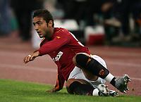 Roma 10/11/2004 Campionato Italiano Serie A <br /> <br /> Roma Udinese 0-3<br /> <br /> Hassan Mido Roma a terra<br /> <br /> Foto Andrea Staccioli Graffiti