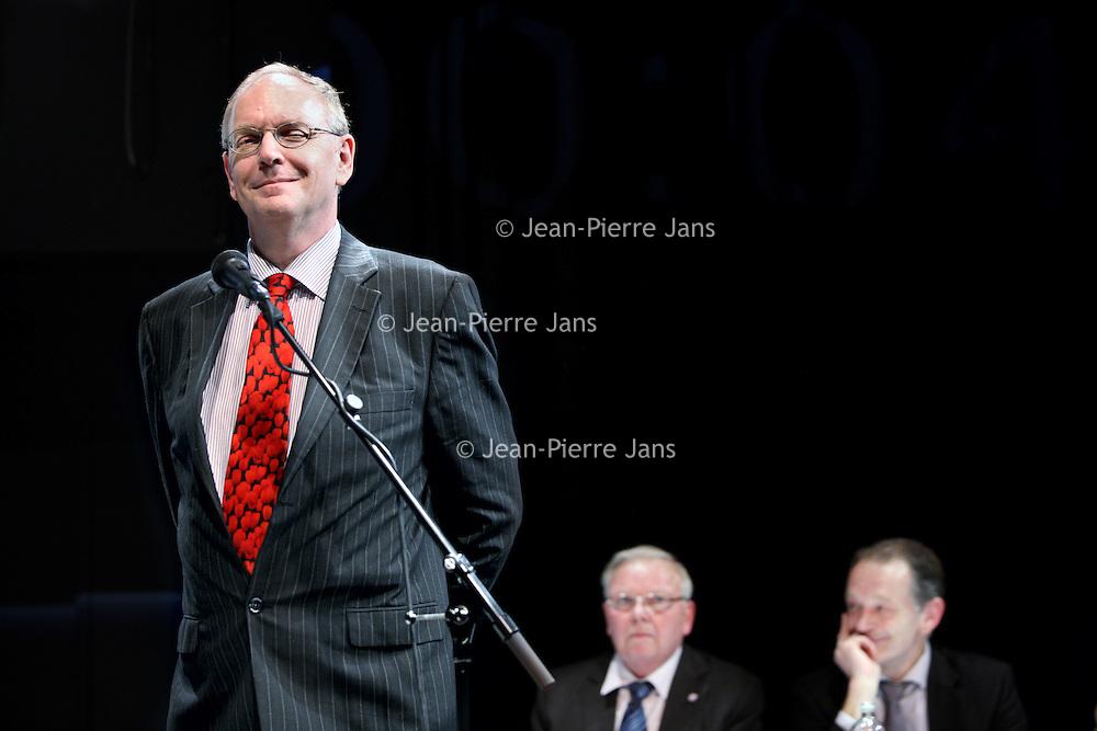Nederland, Almere Haven , 24 februari 2010..Lijsttrekkersdebat voor de Gemeenteverkiezingen in CORROSIA in Almere Haven..Op de foto lijstrekker van de PVV (Partij van de Vrijheid) Raimond de Roon aan het woord...Foto:Jean-Pierre Jans
