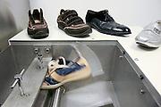 Fiesso, Padova: fabbrica scarpe Louis Vuitton. test per misurare la resistenza delle calzature. Italy, Padoa, louis vuitton shoe factory.