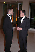 Sir Nicholas Serota and Sir Neil MacGregor. Dinner at the opneing of Degas, Sickert and Toulouse-Lautrec. Tate Britain. Pimlico, London.  London. 3 October 2005. . ONE TIME USE ONLY - DO NOT ARCHIVE © Copyright Photograph by Dafydd Jones 66 Stockwell Park Rd. London SW9 0DA Tel 020 7733 0108 www.dafjones.com