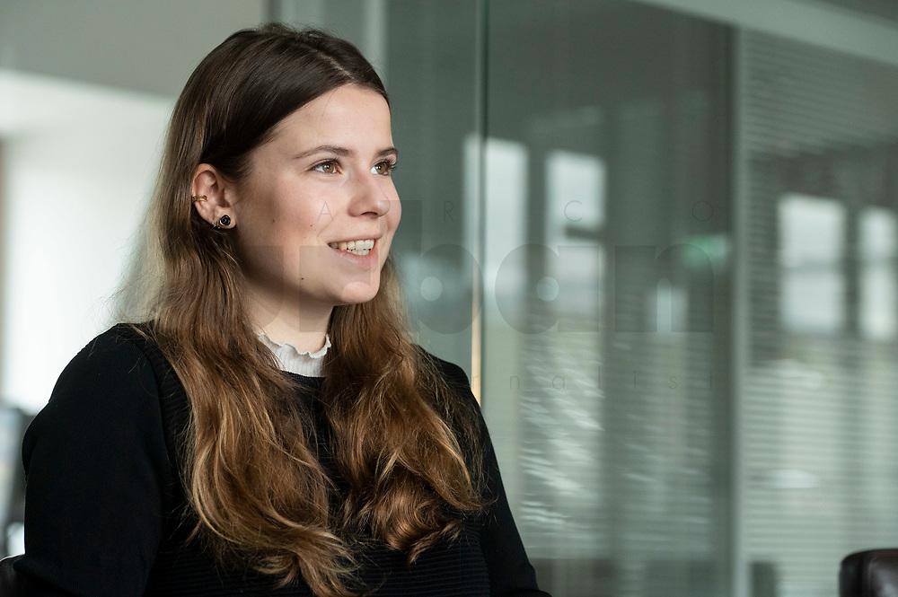 12 MAR 2020, BERLIN/GERMANY:<br /> Luisa Neubauer, Klimaschutzaktivistin, Fridays for Future, waehrend einem Interview, Redaktion Rheinische Post<br /> IMAGE: 20200312-01-021