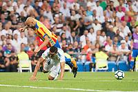 Real Madrid's Carlos Henrique Casemiro and Valencia's Simone Zaza during La Liga match between Real Madrid and Valencia CF at Santiago Bernabeu Stadium in Madrid, Spain August 27, 2017. (ALTERPHOTOS/Borja B.Hojas)