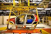 Betim_MG, Brasil...Linha de producao da FIAT em Betim, Minas Gerais. Na foto montagem do Palio...The production line FIAT in Betim, Minas Gerais. In this photo the car Palio...Foto: LEO DRUMOND / NITRO