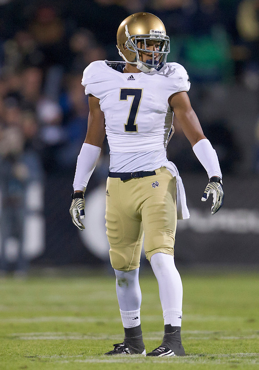 October 01, 2011:  Notre Dame wide receiver TJ Jones (#7) during NCAA Football game action between the Notre Dame Fighting Irish and the Purdue Boilermakers at Ross-Ade Stadium in West Lafayette, Indiana.  Notre Dame defeated Purdue 38-10.