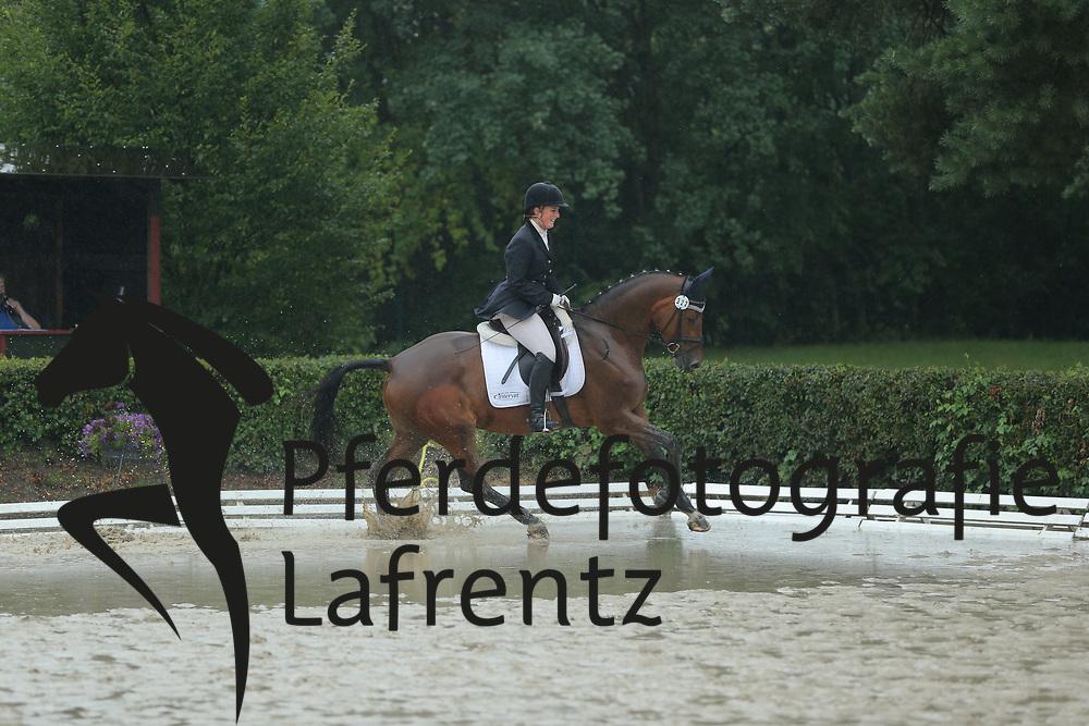 Wyrwoll, Stephanie, Polarlicht vom Krotenbach<br /> Hannover - Trakehner Bundesturnier<br /> Dressurpferde Klasse A<br /> © www.sportfotos-lafrentz.de/ Stefan Lafrentz