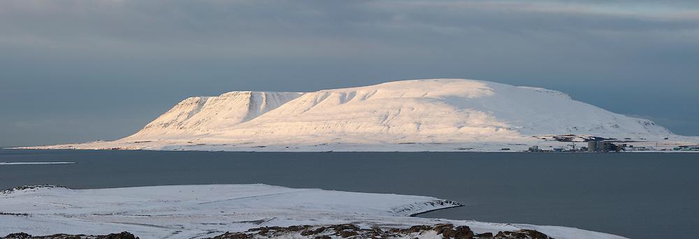 The mountain Akrafjall and the aluminium factory at Grundartangi, Iceland - Akrafjall og álverið við Grundartanga