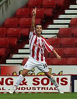 Photo: Paul Thomas.<br /> Stoke City v Norwich City. Coca Cola Championship. 28/10/2006.<br /> <br /> Lee Hendrie of Stoke celebrates his goal.