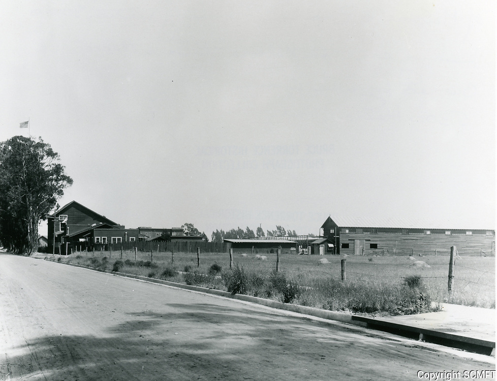 1915 Looking west at Clune Studios on Melrose Ave & Bronson Ave.