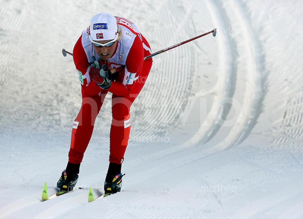 Sapporo , 010307 , Nordische Ski Weltmeisterschaft  Frauen 4x5KM Staffel Rennen ,  Vibeke SKOFTERUD (NOR)