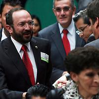 Toluca,  Mex -  Eduardo Gasca Pliego, rector de la UAEM durante la presentacion del Plan de  Desarrollo Estatal 2011-2017 del gobernador Eruviel Avila Villegas.   Agencia MVT / Jose Hernadez