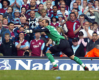 Photo: Chris Ratcliffe.<br />Liverpool v West Ham United. The FA Cup Final. 13/05/2006.<br />Jose Reina of Liverpool celebrates saving the decisive penalty from Anton Ferdinand.