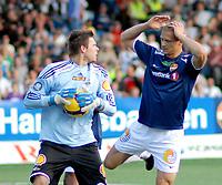 Fotball Herrer Tippeligaen 2009<br /> Marienlyst Stadion Gamle Gress 12.07.2009<br /> <br /> Strømsgodset - Rosenborg<br /> <br /> Resultat 0 - 1<br /> <br /> Foto: Jarl Robert Christensen Digitalsport<br /> <br /> Strømsgodset Mattias Andersson holder seg på hodet etter en dårlig heading<br /> <br /> Rosenborg keeper Rune Almenning Jarstein redder
