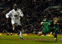 Photo. Jed Wee, Digitalsport<br /> Leeds United v Leicester City, FA Barclaycard Premiership, Elland Road, Leeds. 05/04/2004.<br /> Leeds' Michael Duberry (L) scores the opening goal as Leicester keeper Ian Walker is beaten.