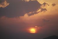 Sol al atardecer, Amazonas, Venezuela.
