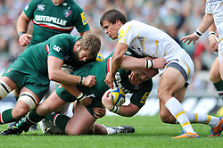 Leicester Tigers prop Dan Cole is seen with Worcester Warriors fly half Ignacio Mieres' fingers in his mouth - Photo mandatory by-line: Patrick Khachfe/JMP - Tel: Mobile: 07966 386802 - 08/09/2013 - SPORT - RUGBY UNION - Welford Road Stadium - Leicester Tigers v Worcester Warriors - Aviva Premiership.