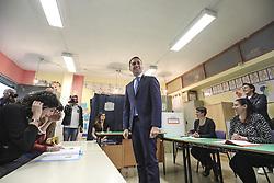 Italy, Pomigliano  - May 26, 2019.Italian deputy Prime Minister and Labour Minister Luigi di Maio votes for the European Parliament elections (Credit Image: © Napoli/Giacomino/Ropi via ZUMA Press)