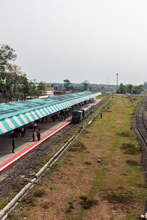 Darjeeling Himalayan railway train in New Jaipalguri station in India.