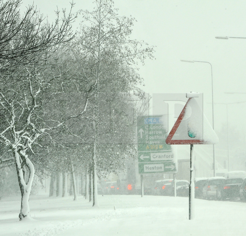 © under license to London News Pictures. 18.12.2010. Sign posts on the A4  near Heathrow airport in London today (Sat) . Photo Credit should read Stephen Simpson/London News Pictures