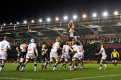 Nick Easter of Harlequins wins lineout ball - Photo mandatory by-line: Patrick Khachfe/JMP - Mobile: 07966 386802 17/10/2014 - SPORT - RUGBY UNION - London - Twickenham Stoop - Harlequins v Castres Olympique - European Rugby Champions Cup