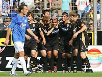 Fotball<br /> Bundesliga Tyskland<br /> Foto: Witters/Digitalsport<br /> NORWAY ONLY<br /> <br /> 26.08.2006<br /> Jubel 0:1 v.l. Theofanis Gekas Bochum, Steffen Baumgart, Mariusz Kukielka, Shao, Torschuetze Vragel da Silva, Igor Mitreski, Kevin McKenna Cottbus<br /> Fussball Bundesliga VfL Bochum - FC Energie Cottbus 0:1