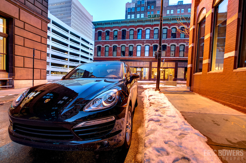 Intersection of 9th & Baltimore, downtown Kansas CIty after renovation and re-opening of the historic Cosby Hotel building.