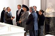 Werkbezoek van Zijne Majesteit de Koning, vergezeld door Hare Majesteit Koningin Maxima aan de Duitse deelstaten Thüringen, Saksen en Saksen-Anhalt<br /> <br /> Working visit of His Majesty the King, accompanied by Her Majesty Queen Maxima in the German states of Thuringia, Saxony and Saxony-Anhalt<br /> <br /> op de foto / On the Photo:  Bezoek aan het Goethe- und Schiller-Archiv /// Visit to the Goethe und Schiller-Archiv