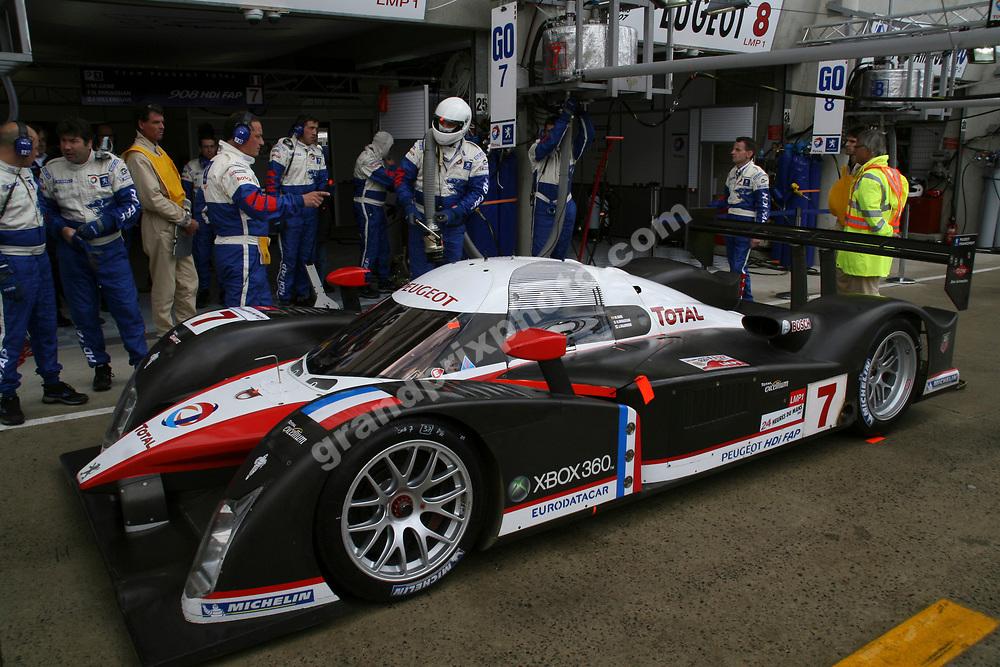 The Peugeot of Jacques Villeneuve/Marc Gene/Nicolas Minassian in the pits before the 2007 Le Mans. Photo: Grand Prix Photo