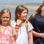 NLD/Wassenaar/20150710 - Koninklijke fotosessie 2015 Koning Willem-Alexander, Koningin Maxima, kroonprinses Amalia, prinses Alexia en Ariane met honden Bella en Skipper  -  Annual Dutch Royal photosession of the Royal family King Willem-Alexander, Queen Maxima, Crownprincess Amalia, princess Alexia and Ariane with dogs Skipper and Bella