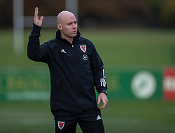 CARDIFF, WALES - Sunday, November 17, 2019: Wales' assistant coach Robert Page during a training session at the Vale Resort ahead of the final UEFA Euro 2020 Qualifying Group E match against Hungary. (Pic by David Rawcliffe/Propaganda)