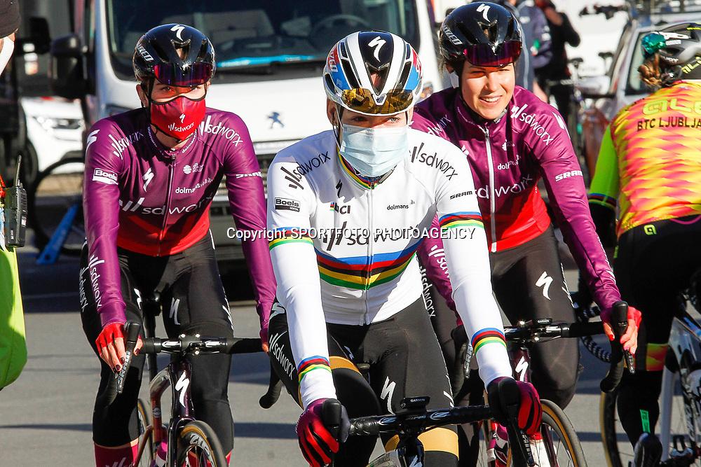 25-04-2021: Wielrennen: Luik Bastenaken Luik (Vrouwen): Luik<br />Anna van der Breggen, Demi Vollering