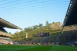 BRAGA, PORTUGAL, Thursday, March 10, 2011: Liverpool players warm-up before the UEFA Europa League Round of 16 1st leg match against Sporting Clube de Braga at the Estadio Municipal de Braga. (Photo by David Rawcliffe/Propaganda)