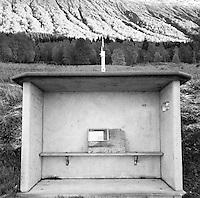 Et tradisjonelt norsk busskur i betong.<br /> Foto: Svein Ove Ekornesvåg