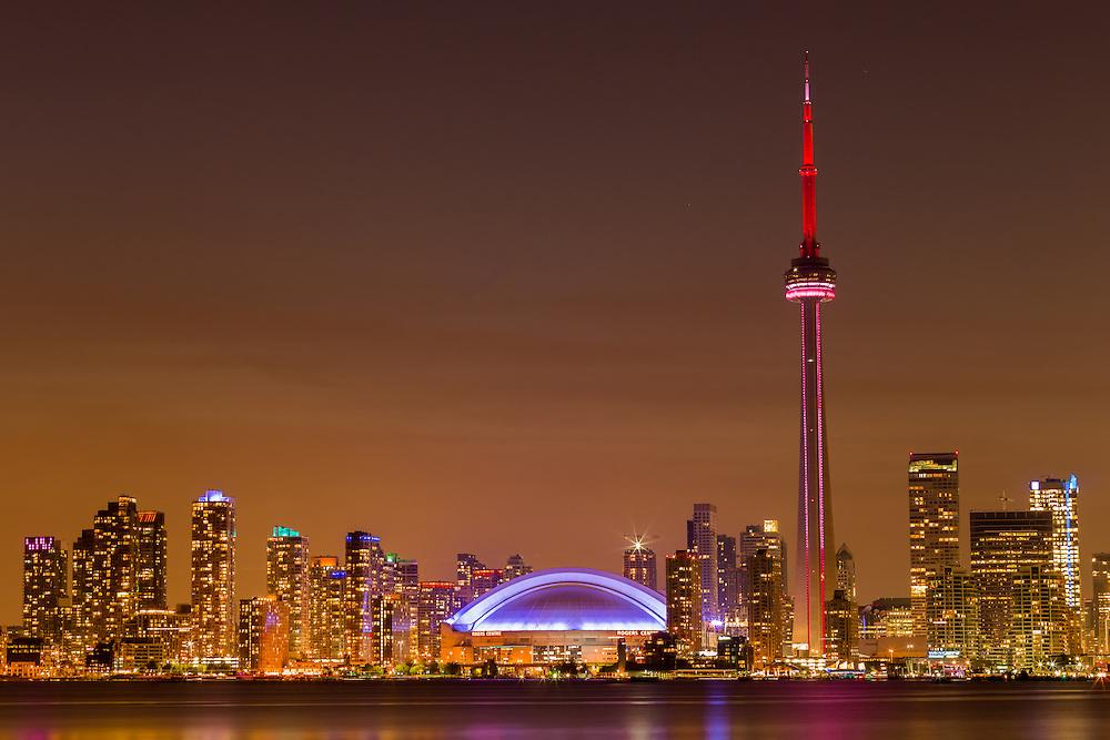 http://Duncan.co/toronto-skyline-at-night/