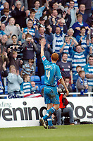 Photo: Kevin Poolman.<br />Reading v Stoke City. Coca Cola Championship. 17/04/2006. Steve Sidwell celebrates his goal and Reading's first.