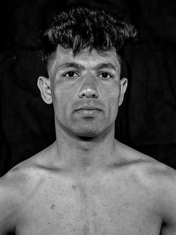 BOXEN / MMA: Studio, Portrait of a Boxer, Bremen, 12.05.2018<br /> Amir Afghane<br /> © Torsten Helmke